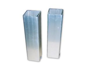 Verankeringsbuizen voor vierkante tennispalen, afmeting: 80 x 80 mm.